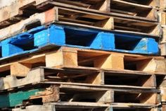 Big list of places to get pallet and other Wood for Projects, crafts, and DIY work. Very cheap or free!