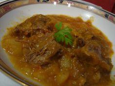 La buona cucina di Katty: Spezzatino di manzo con patate nella pentola a pressione Thai Red Curry, Carne, Chicken, Ethnic Recipes, Life, Cubs