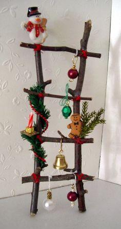 Weihnachtliche Deko-Leiter, Weihnachts-Deko fürs Puppenhaus