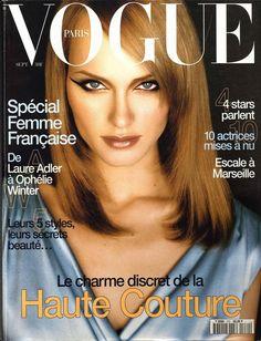 Amber Valletta en couverture du numéro de septembre 1996 de Vogue Paris http://www.vogue.fr/thevoguelist/amber-valletta/38