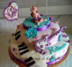 La buona cucina di Katty: Torta Violetta Disney ..... per il compleanno di Rebecca Violetta Disney, Birthday Cake, Desserts, Dress, Food, Design, Cakes For Kids, Lab, Tailgate Desserts