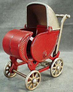 Antique cast iron toy baby carriage, large, probably made by Hubley although some have attributed it to Kilgore. Landau Vintage, Vintage Pram, Vintage Dolls, Vintage Items, Vintage Stroller, Muebles Estilo Art Nouveau, Baby Buggy, Dolls Prams, Retro Vintage