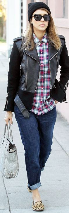 Seems to like more and more celebrities are dressing like lesbians/hipsters ..
