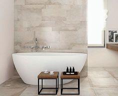 Totalrenoverat badrum i ljusare ton. Foto: Konradssons kakel
