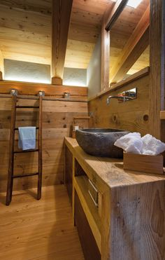 Impressive Ideas of Rustic Bathroom Vanities. It is given that we are entitled to our own concept and ideas in designing our homes. Rustic Bathroom Vanities, Rustic Bathroom Decor, Wooden Bathroom, Rustic Bathrooms, Rustic Decor, Bathroom Ideas, Chalet Design, House Design, Chalet Interior