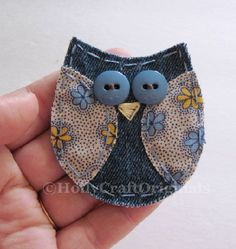 Handmade fabric owl applique measuring about 3 inches and is made from upcycled denim and leftover fabric scraps. This little owl is great for scrapbooking, cardmaking, or anything you might want to attach it to! - DIY Home Project Jean Crafts, Denim Crafts, Owl Fabric, Fabric Scraps, Scrap Fabric, Denim Fabric, Sewing Crafts, Sewing Projects, Owl Applique
