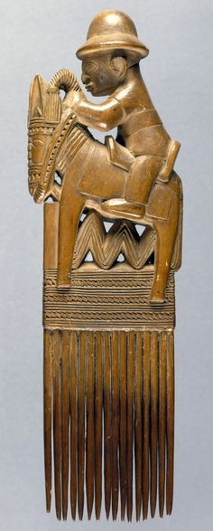 Africa | Hair comb with equestrian figure finial from the Yoruba people | Wood | 1930 - 1950.