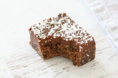 Make this Easy Chocolate Coconut Slice in no time at all - simply melt & mix! Conventional and Thermomix instructions included. Baking Recipes, Cake Recipes, Dessert Recipes, Chocolate Coconut Slice, Chocolates, Bellini Recipe, Gateaux Cake, Vegetarian Chocolate, Popular Recipes