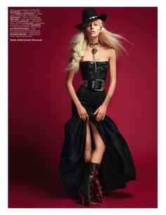 Aline Weber | Balmain's bustier, skirt by Dries Van Noten | Photo: David Vasiljevic | Vogue Turkey | May 2012