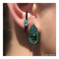 Ear Jewelry, Jewelry Art, Diamond Jewelry, Jewelry Accessories, Jewelry Design, Women Jewelry, Fashion Jewelry, Emerald Earrings, Women's Earrings