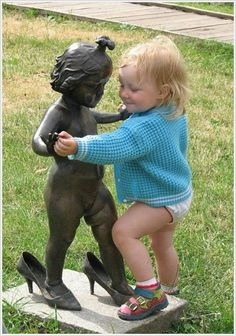 Interesting and funny pictures: Strange Statues Around the World