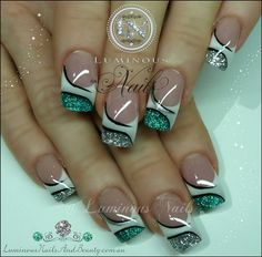 french nails for wedding Messy Buns Pretty Nail Art, Cool Nail Art, Toe Nail Designs, Acrylic Nail Designs, Acrylic Nails, Manicure Gel, Luminous Nails, Nagellack Design, French Tip Nails