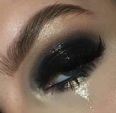 grunge makeup – Hair and beauty tips, tricks and tutorials Punk Makeup, Edgy Makeup, Makeup Eye Looks, Grunge Makeup, Pretty Makeup, Skin Makeup, Makeup Inspo, Makeup Art, Beauty Makeup