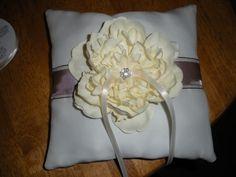 DIY Ring Bearer Pillow Tutorial :  wedding crafts diy pleasanton ring bearer 122 12