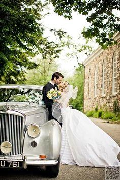 11. #Classic Car - 44 Amazing Wedding #Photography Ideas to Copy ... → Wedding #Wedding