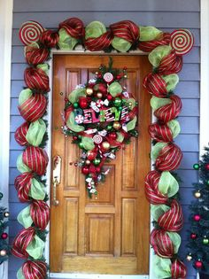 Front Door Decorations with floral mesh ribbon My xmas window decorations xmas window decorationsFront Door Decorations with floral mesh ribbon My Christmas Reef, Christmas Porch, Rustic Christmas, Christmas Wreaths, Christmas Ideas, Front Door Christmas Decorations, Christmas Front Doors, Holiday Decor, Deco Mesh Garland