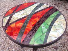 Mosaic Outdoor Table, Mosaic Tile Table, Mosaic Tile Art, Mosaic Artwork, Pebble Mosaic, Mirror Mosaic, Mosaic Diy, Mosaic Garden, Mosaic Crafts