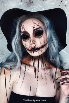 Fascinating Hallowen Makeup Ideas & Tutorials - Check out these awesome makeup ideas and tutorials for Halloween this year including: zombie, - Spooky Halloween Crafts, Creepy Halloween Makeup, Halloween This Year, Halloween Looks, Creepy Makeup, Horror Makeup, Zombie Walk, Maquillaje Halloween Tutorial, Helloween Make Up