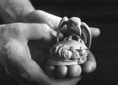 Caption: Boxwood, 7.0 x 6.9 cm, UBC Museum of Anthropology, Vancouver. Credit: Collection of the UBC Museum of Anthropology, Vancouver, Gift, 1986 (Nb1.488). Photo credit: Ulli Steltzer. © Bill Reid Estate; Iljuwas Bill Reid | Art Books | Art Canada Institute; #billreid #canadianartist #indigenousartist #northwestcoast #haida #sculpture #raven Native Art, Native American Art, Bill Reid, University Of British Columbia, First Humans, Indigenous Art, Canadian Artists, Raven, Credit Collection