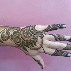 Check out this post - 'Latest trend of henna' by Shaheen Sultana ( and other interesting posts by lakhs of people on Roposo TV Round Mehndi Design, Modern Henna Designs, Traditional Mehndi Designs, Floral Henna Designs, Latest Arabic Mehndi Designs, Henna Art Designs, Mehndi Designs 2018, Mehndi Designs For Beginners, Stylish Mehndi Designs