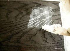The Ornamentalist: Ebony Limed Oak - step by step Pintar Formica, Dark Oak Furniture, Oak Dining Table, Dining Room, Furniture Makeover, Furniture Projects, Wood Projects, Diy Furniture, Weathered Wood