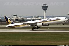 Singapore Airlines 9V-SWD Boeing 777-312/ER aircraft picture