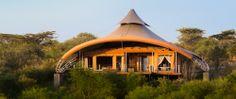 Mahali Mzuri é um acampamento de safari de luxo localizado à oeste de Nairobi no Quênia. O desenvolvimento desse acampamento foi idealizado para minimizar o impacto ambiental, com estruturas leves que promovessem o turismo. Criada em colaboração com a comunidade vizinha, a abordagem sustentável vê a promoção e contratação de trabalhadores locais e do uso de materiais de origem local. O programa dispõe de uma piscina no local, spa para os hóspedes, caminhadas guiadas e excursões à aldeias.
