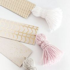 DIY marque-pages pompons