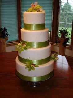 Wedding Cakes Pictures: Round Green Orchid Wedding Cakes. Yes! but with an eggplant color ribbon