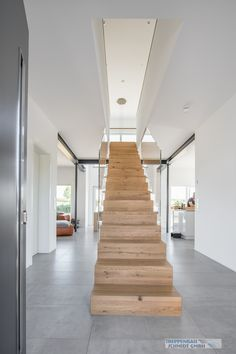 HPL and steel stairs «Treppenbau Schmidt GmbH - woodes Schmidt, Inexpensive Flooring, Modern Balcony, Tiny Living Rooms, Beton Design, Steel Stairs, Stair Lighting, Balcony Furniture, Stairs Architecture