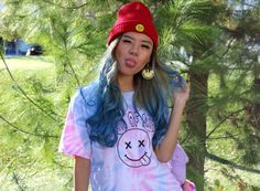 tie-dye funky t-shirt women woman style fashion clothes boots glitter beanie statement emoji patches backpack fuzzy purple blue hair dye