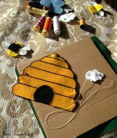 Bugs and Fishes by Lupin: Guest Post: Honey Bee Felt Busy Book