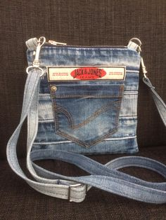 Denim Bag, Denim Jeans, Denim Crafts, Love Jeans, Recycle Jeans, Clothing Storage, Mini Purse, Purses And Bags, Sewing