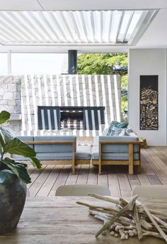 Whether your alfresco life involves dining, drinking or dozing, you'll find inspiration in these stylish settings. Whether your alfresco life involves dining, drinking or dozing, you'll find inspiration in these stylish settings. Outdoor Garden Furniture, Outdoor Rooms, Indoor Outdoor, Outdoor Living, Outdoor Decor, Garden Furniture Design, Outdoor Kitchens, Outdoor Ideas, Home Depot