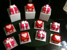 little edible valentines gifts - could also be decorated for Christmas or birthdays