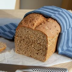 Ekstra grove brød Banana Bread, Food And Drink, Baking, Desserts, Tailgate Desserts, Patisserie, Dessert, Postres, Bread