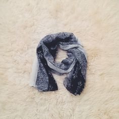 Polyester Scarf Great condition Feel free to ask me any questions Thanks for browsing my closet! Happy Poshing Accessories Scarves & Wraps