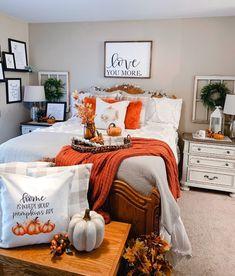 Fall Bedroom Decor, Fall Home Decor, Fall Apartment Decor, Bedroom Ideas, Halloween Room Decor, Halloween Decorations, Autumn Room, Bedding Basics, My New Room