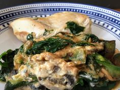 Poached chicken with creamy vegetables Joe Wicks The Body Coach, Lean In 15, Broccoli Bake, Poached Chicken, Mushroom Risotto, Stuffed Mushrooms, Stuffed Peppers, Risotto Recipes, Batch Cooking