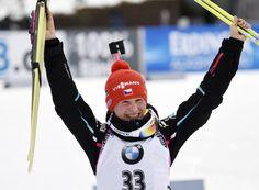 Další české ZLATO! Veronika Vítková vyhrála sprint biatlonistek   iSport.cz