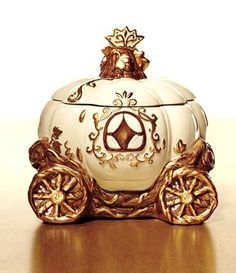 David's Cookies bring the magic of the fairy tale to your kitchen with this adorable carriage cookie jar! From the collection exclusively at HSN and inspired by Disney's new Cinderella movie.