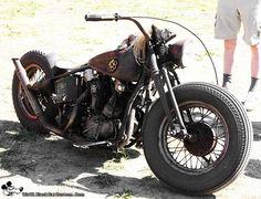El Rat Bobber. Dented fuel tank with brass knuckles.