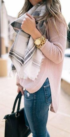 Winter scarf outfit, plaid scarf outfit, blanket scarf outfit, pink top out Plaid Scarf Outfit, Sweater Outfits, Sweater Scarf, Beige Sweater, Grey Scarf, Oversized Scarf, Jumper, Oversized Sweaters, Leopard Sweater