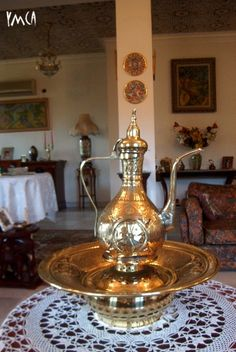 Coffee table and some Algerian sweets | Algerien | Pinterest