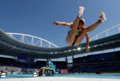 GALERIA - Alemã Jennifer Oeser compete na prova de saltos do heptatlo (Foto…