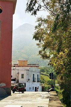 Noon at Stromboli Village