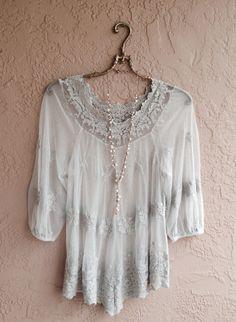 Image de XCVI Violet bleu gris tulle transparent tunique embroiderey avec de la dentelle