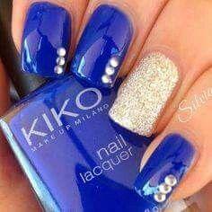 Elegant Royal Blue and Gold Shimmer Nail Art ♢ Rhinestone Accents Homecoming Nails, Prom Nails, Fun Nails, Pretty Nails, Blue And Silver Nails, Royal Blue Nails, Silver Glitter, Glitter French Manicure, Diy Manicure