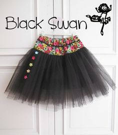 Pretty black and floral tutu skirt Baby Girl Skirts, Little Girl Dresses, Baby Dress, Girls Dresses, Baby Couture, Couture Sewing, Toddler Outfits, Kids Outfits, Robes Tutu
