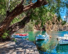 1 Boats on Lake Voulismeni. Agios Nikolaos, Crete, Greece © Vladimir Sklyarov